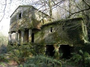 Construcción abandonada en la Galicia rural. Autor: Federico Romero