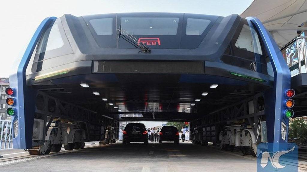 Bus elevado chino