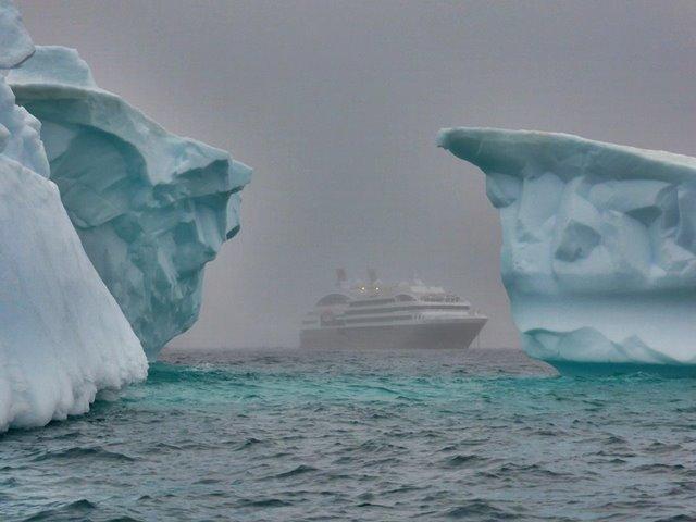 icebergs-337607_960_720