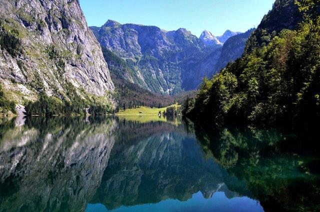 lake-143828_960_720